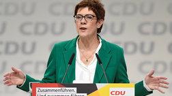Γκρίνιες και αντιδράσεις στο CDU μετά την εκλογή της Κάρενμπαουερ