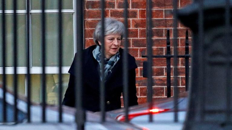 egklwbismeni-ston-laburintho-tou-brexit-i-tereza-mei