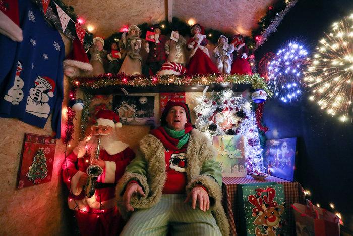 Φαντασμαγορικό: αυτό είναι το σπίτι... Χριστουγεννιάτικο χωριό