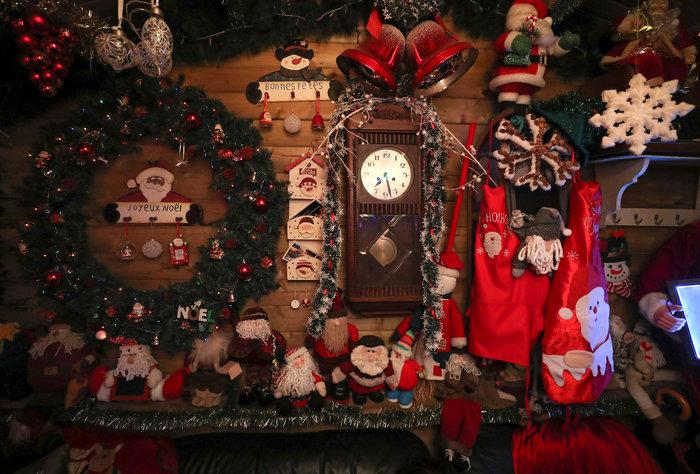 Φαντασμαγορικό: αυτό είναι το σπίτι... Χριστουγεννιάτικο χωριό - εικόνα 12