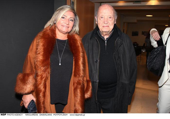 Ο Μίμης Πλέσσας με τη γυναίκα του, Λουκίλα Καρρέρ