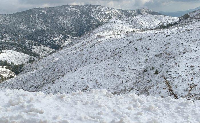 Στην Πάρνηθα με χιόνια