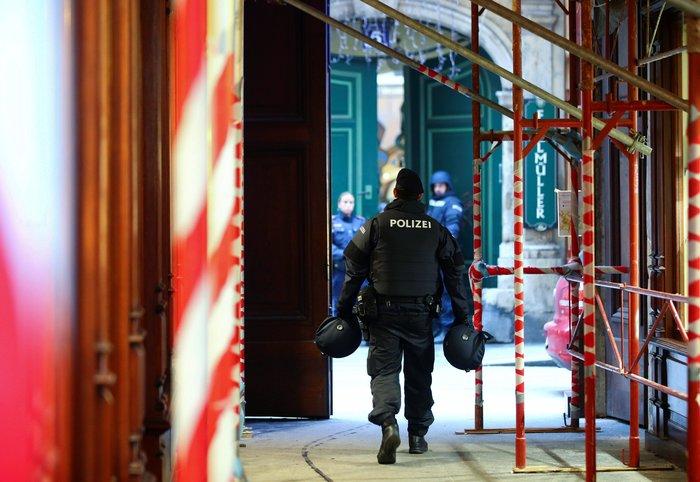 Πυροβολισμοί στο κέντρο της Βιέννης- Ένας νεκρός - εικόνα 2