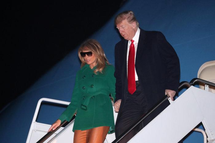 Μελάνια Τραμπ:Αυτός είναι ο λόγος που φόρεσε μαύρα γυαλιά μέσα στη νύχτα - εικόνα 4