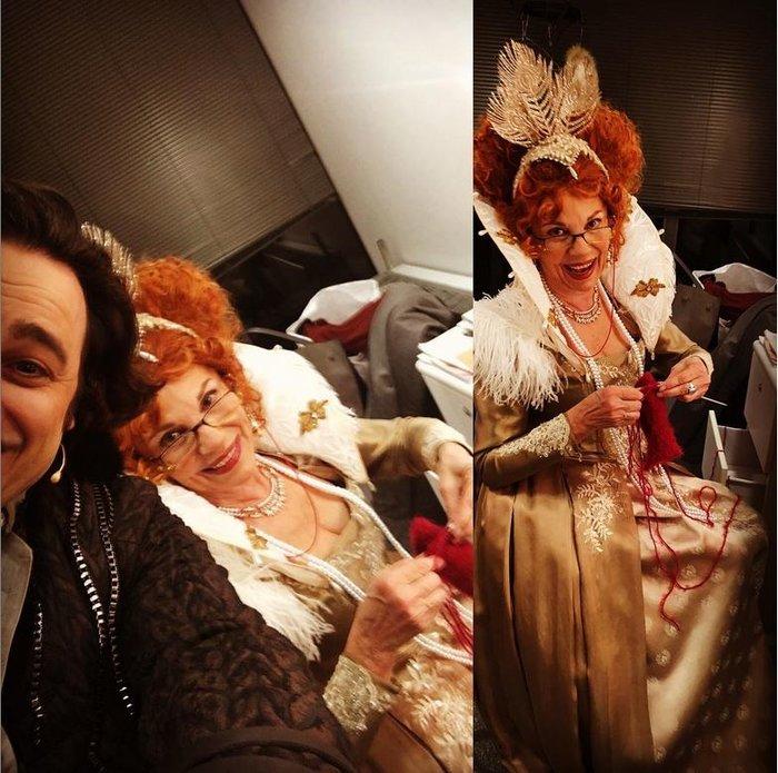 Βασίλης Χαραλαμπόπουλος: Τι κάνει η βασίλισσα Ελισσάβετ όταν βαριέται; - εικόνα 2
