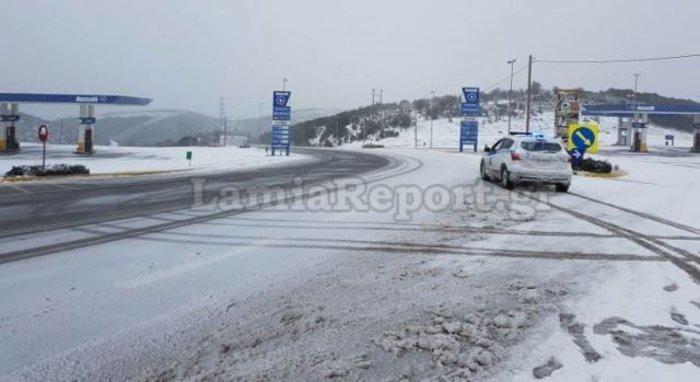 Mε καταιγίδες και χιόνια κάνει ποδαρικό το 2019