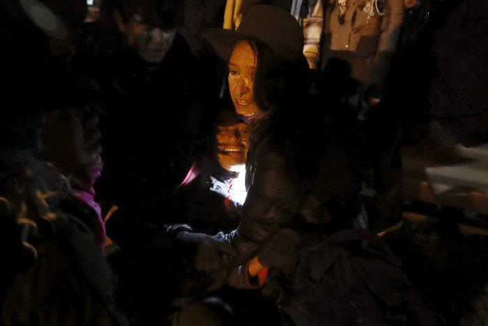Πνίγηκε στα δακρυγόνα η προσπάθεια μεταναστών να μπουν στις ΗΠΑ (φωτό) - εικόνα 4