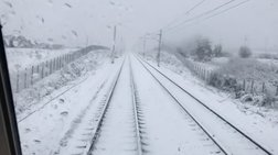 Διασχίζοντας την χιονισμένη Φθιώτιδα με τρένο - Βίντεο
