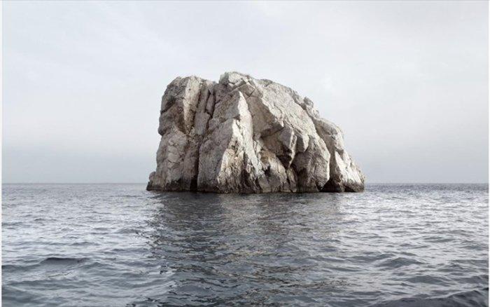 Νησιά και βραχονησίδες αναδύονται από τη θάλασσα. Εκθεση φωτογραφίας - εικόνα 7