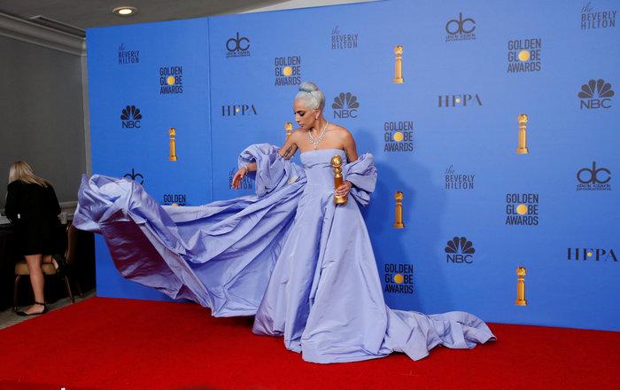 Η Λέιντι Γκάγκα με το πιο εντυπωσιακό φόρεμα της βραδιάς