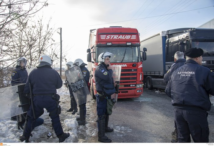 Διαβατά: Επεισόδια μεταξύ οδηγών και προσφύγων-Δύο τραυματίες - εικόνα 3