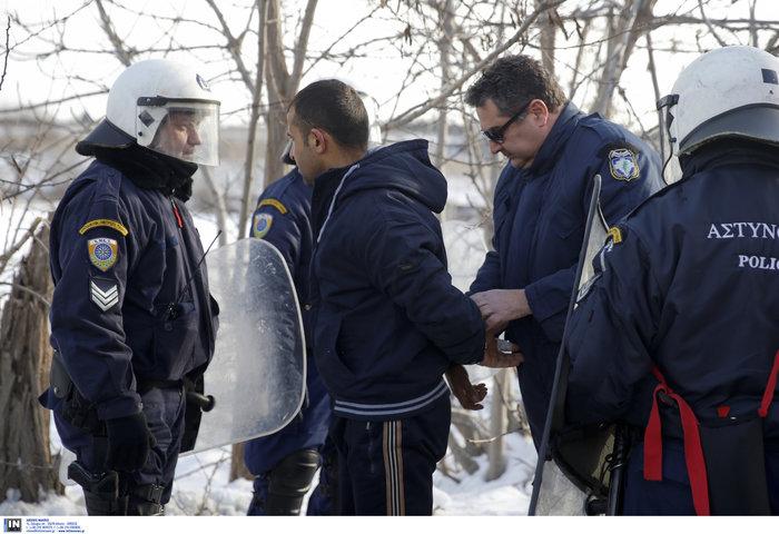 Διαβατά: Επεισόδια μεταξύ οδηγών και προσφύγων-Δύο τραυματίες - εικόνα 4