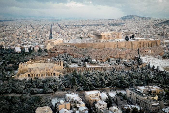 Η Ακρόπολη στα «λευκά» από ψηλά - εικόνα 2