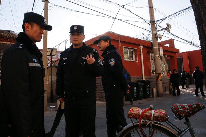 Τρόμος στο Πεκίνο: άνδρας μαχαίρωσε 20 μαθητές (φωτό) - εικόνα 2