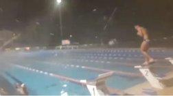 Προπόνηση  με τα χιόνια στο ανοιχτό κολυμβητήριο Γέρακα (βίντεο)