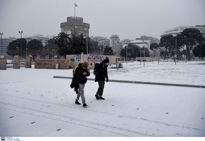 Χιόνια και κλειστά σχολεία στη βόρεια Ελλάδα λόγω «Υπατίας»