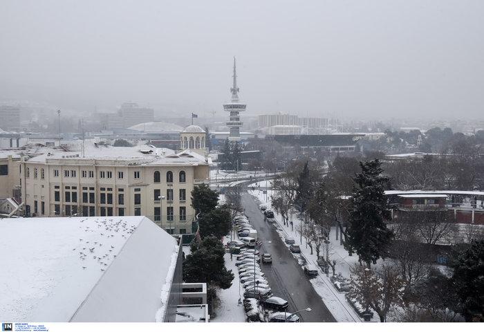 Χιόνια και κλειστά σχολεία στη βόρεια Ελλάδα λόγω «Υπατίας» - εικόνα 2