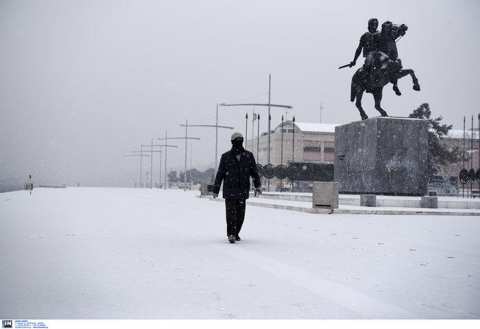 Χιόνια και κλειστά σχολεία στη βόρεια Ελλάδα λόγω «Υπατίας» - εικόνα 3