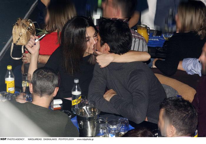 Τριανταφυλλίδου - Βλάχος: Κρίση ήταν και πέρασε - καυτά φιλιά σε νέα έξοδο - εικόνα 3