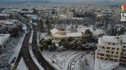 """Η χιονισμένη Κηφισιά από drone - Η """"λευκή"""" βίλα Καζούλη"""