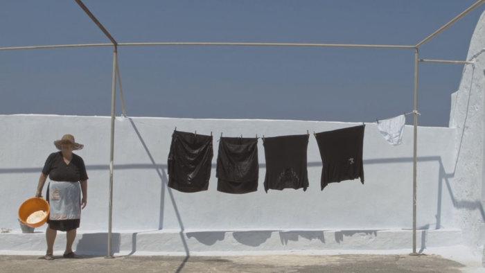 Το Σώμα της: Ενα ντοκιμαντέρ για την «άλλη» Σαντορίνη στην Ταινιοθήκη - εικόνα 3