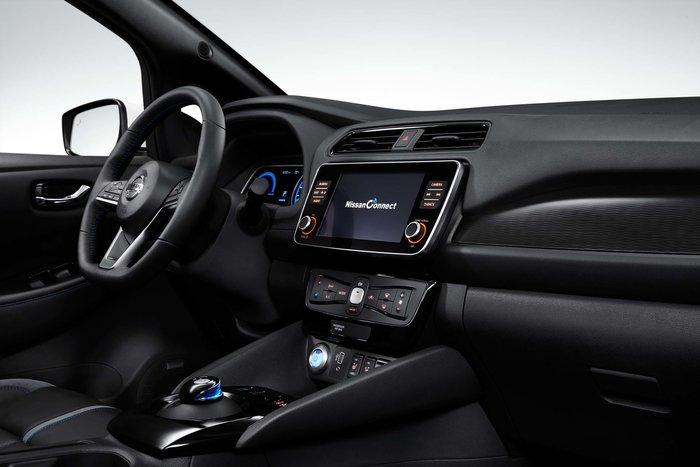 Νέες εκδόσεις Nissan Leaf με μεγαλύτερη αυτονομία και μέχρι 217 ίππους