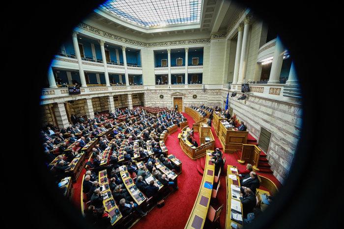 Αγρια κόντρα στη Βουλή για ψήφο εμπιστοσύνης, Αποστολάκη και Πρέσπες - εικόνα 3
