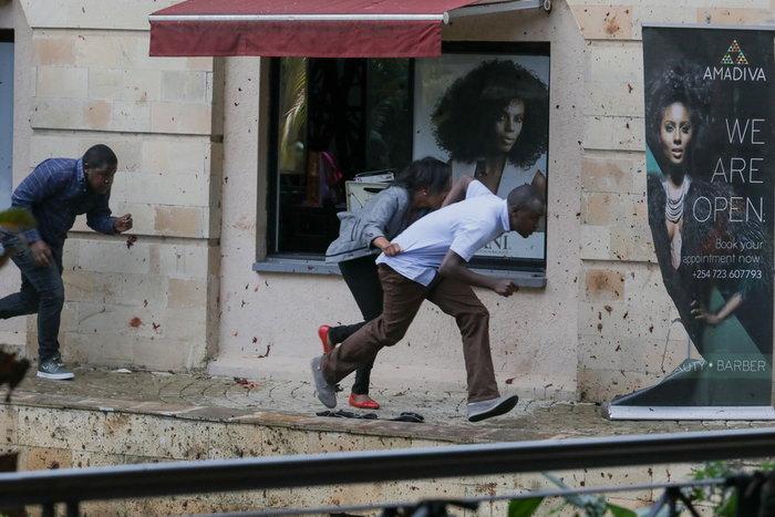 Πυροβολισμοί σε συγκρότημα ξενοδοχείου και γραφείων στο Ναϊρόμπι - εικόνα 2