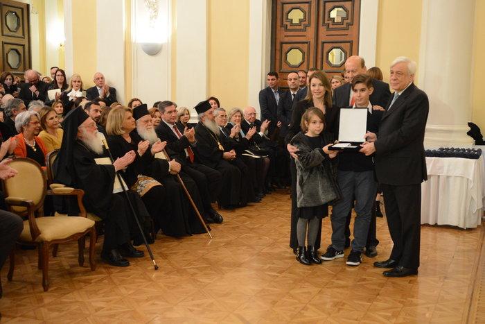 Ο Πρόεδρος της Δημοκρατίας απονέμει ειδική τιμητική διάκριση στην οικογένεια του Γεωργίου Μπαλταδώρου