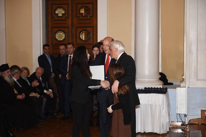 Ο Πρόεδρος της Δημοκρατίας απονέμει ειδική τιμητική διάκριση στην οικογένεια του Κυριάκου Παπαδόπουλου