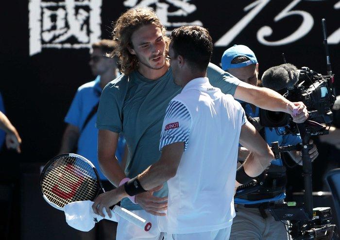 Θρίαμβος Τσιτσιπά! Πέρασε στον ημιτελικό του Australian Open (βίντεο) - εικόνα 11
