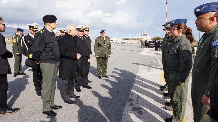 Αποστολάκης: Ο στιγμές είναι κρίσιμες και επιβάλλουν ενότητα - εικόνα 2