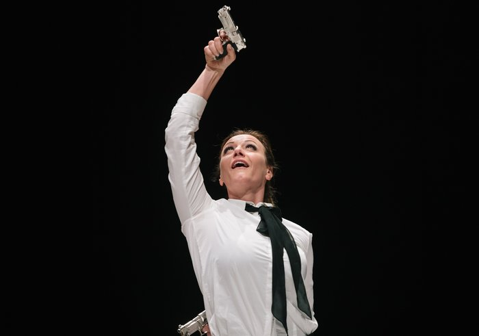 Οι εντυπωσιακές φωτογραφίες από την όπερα Έντα Γκάμπλερ