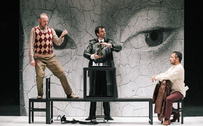 Οι εντυπωσιακές φωτογραφίες από την όπερα Έντα Γκάμπλερ - εικόνα 2