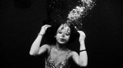 Εντυπωσιακές φωτογραφίες από το βυθό της Ρενέ Ρεβάχ