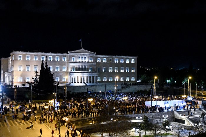 Προσαγωγές και συλλήψεις στην Αθήνα - Μολότοφ στη Θεσσαλονίκη