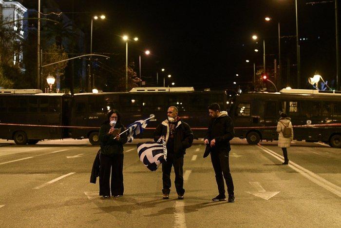 Προσαγωγές και συλλήψεις στην Αθήνα - Μολότοφ στη Θεσσαλονίκη - εικόνα 8