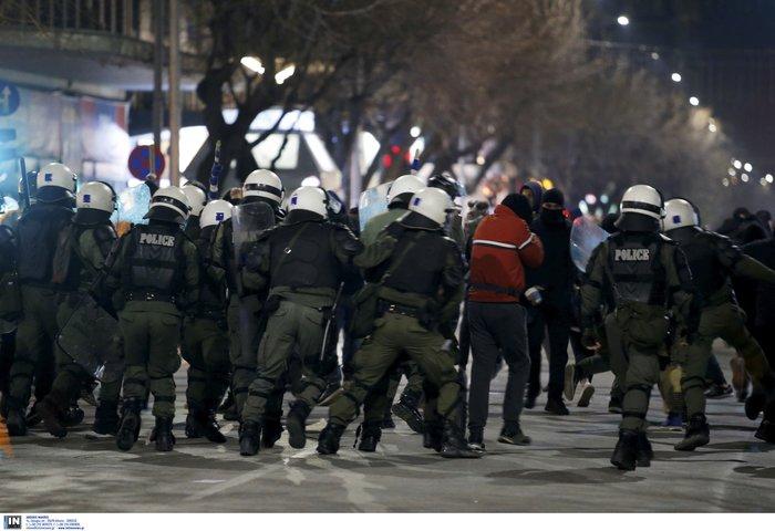 Προσαγωγές και συλλήψεις στην Αθήνα - Μολότοφ στη Θεσσαλονίκη - εικόνα 6