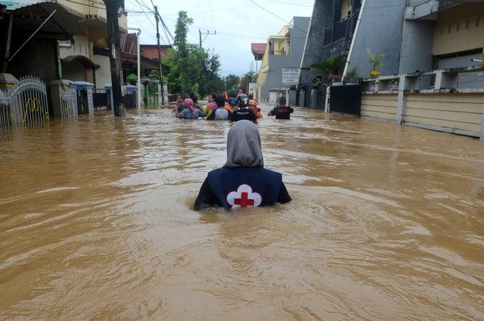 Ινδονησία: Στους 59 οι νεκροί από πλημμύρες και κατολισθήσεις (φωτό)