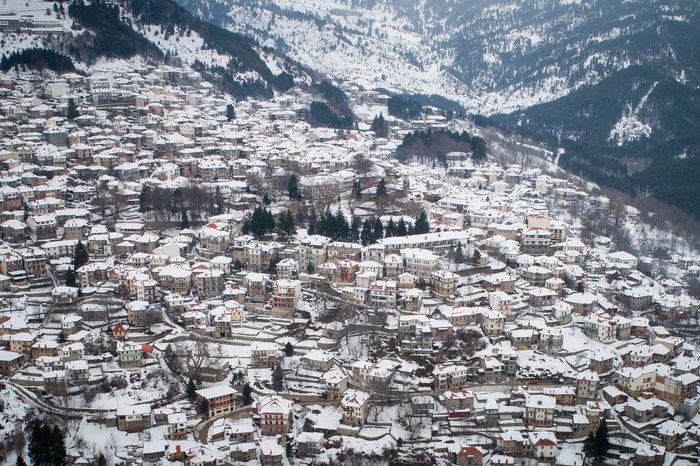 Το χιονισμένο Μέτσοβο από ψηλά - εικόνα 3