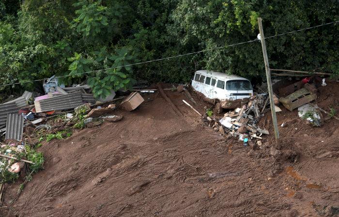 Tραγωδία στη Βραζιλία:150 αγνοούμενοι από κατάρρευση φράγματος [Εικόνες] - εικόνα 5
