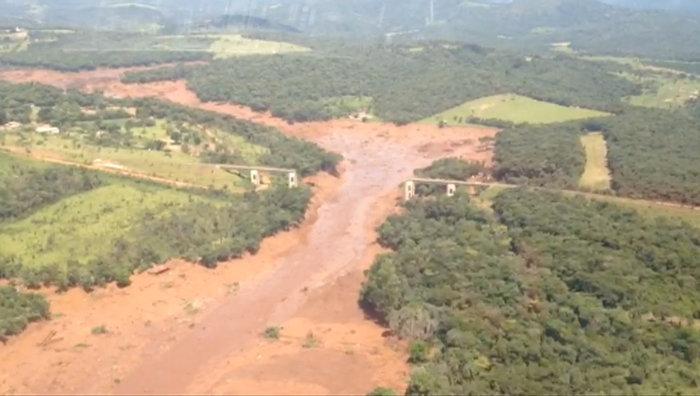 Tραγωδία στη Βραζιλία:150 αγνοούμενοι από κατάρρευση φράγματος [Εικόνες] - εικόνα 6