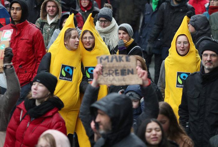 Χιλιάδες Βέλγοι στους δρόμους για την κλιματική αλλαγή [Εικόνες] - εικόνα 2