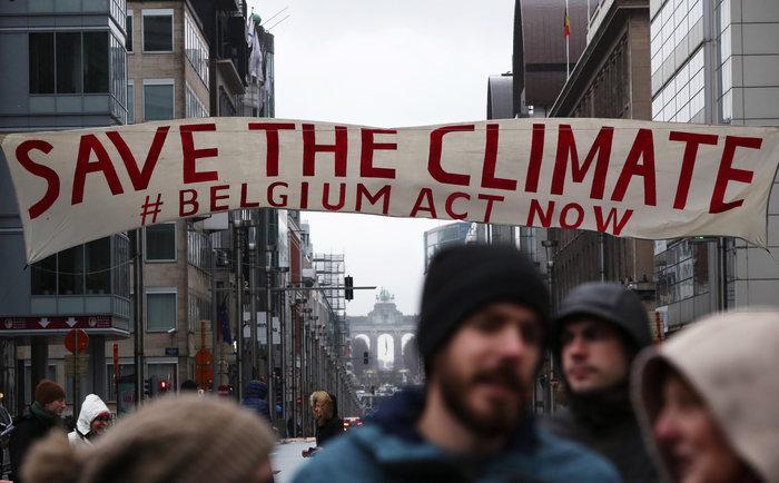 Χιλιάδες Βέλγοι στους δρόμους για την κλιματική αλλαγή [Εικόνες] - εικόνα 3