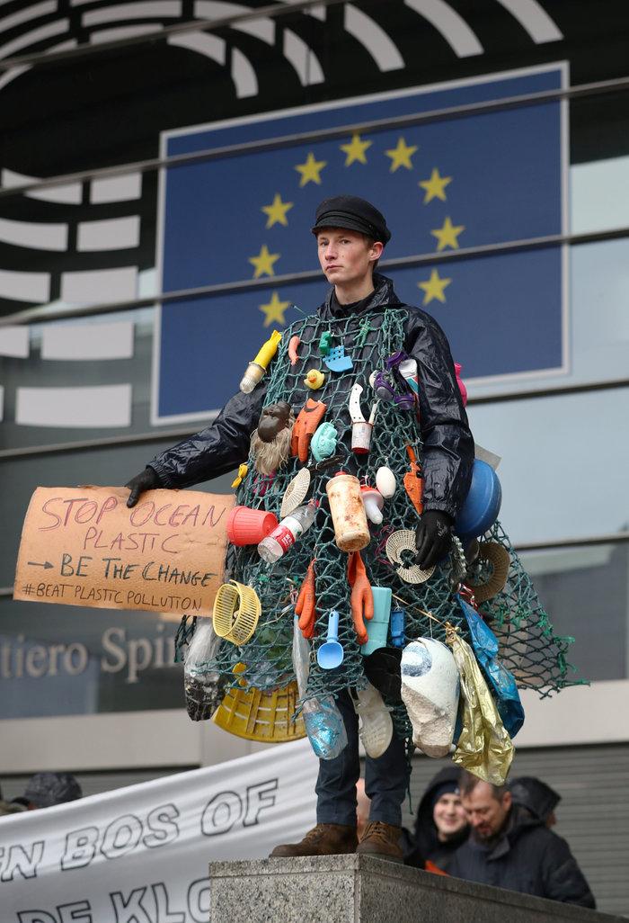 Χιλιάδες Βέλγοι στους δρόμους για την κλιματική αλλαγή [Εικόνες] - εικόνα 5