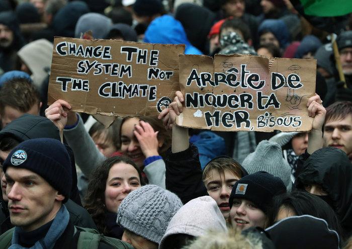 Χιλιάδες Βέλγοι στους δρόμους για την κλιματική αλλαγή [Εικόνες] - εικόνα 8