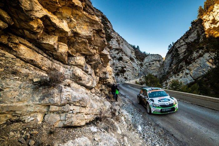 Η SKODA Fabia R5 στη 2η θέση της WRC 2 Pro στο Μόντε Κάρλο - εικόνα 4