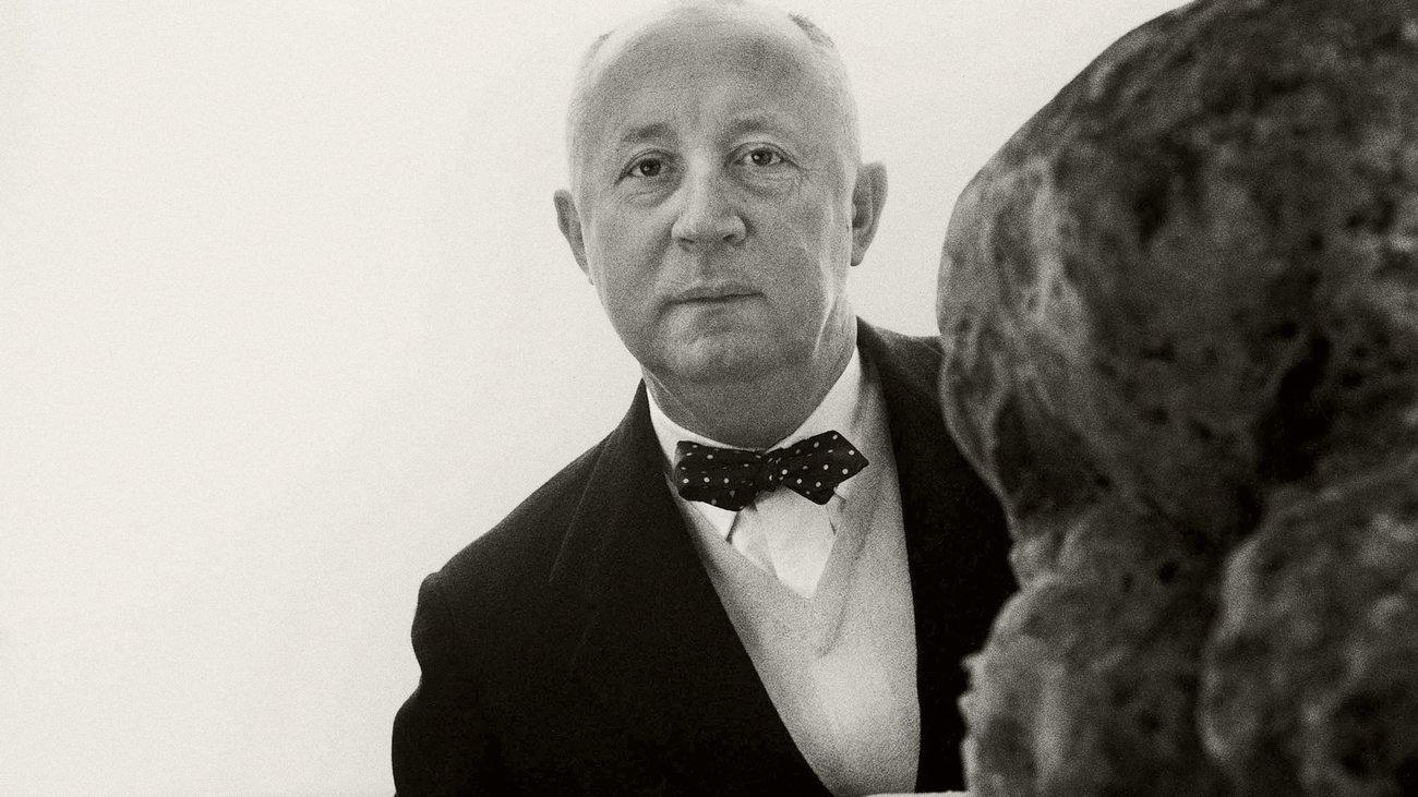 cff2325537 Christian Dior  ΕναΣ θρυλοΣ στο V A του Λονδινου. «