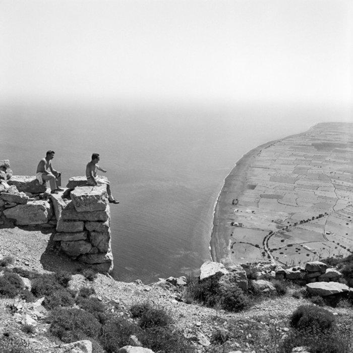 Θέα της Περίσσας από την Αρχαία Θήρα, 1963