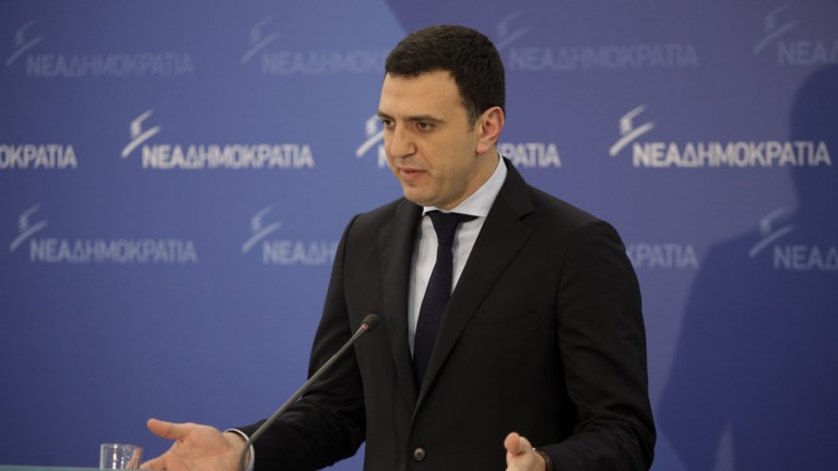 kikilias-o-k-tsipras-kopiarei-ton-madouro-thelei-na-ginei-kathestws